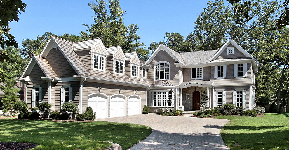 The Prestigious Home - Barrington Shake Shingle